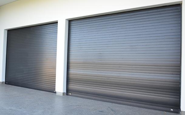 Puertas o persianas industriales enrollables