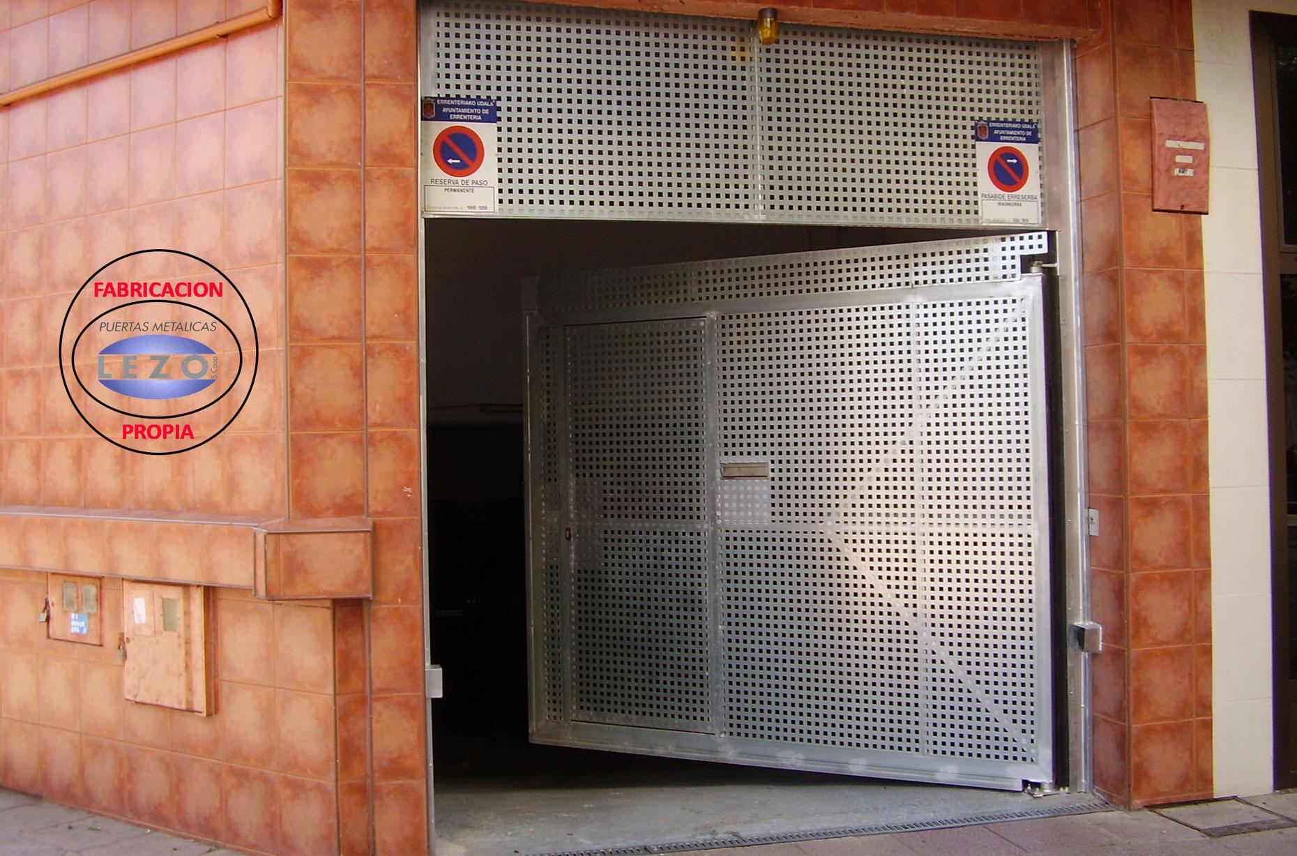 Puertas Abatibles (FABRICACIÓN PROPIA)